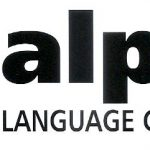 Na imagem consta a logo da empresa em vermelho, e do lado o seu respectivo nome fantasia, Alpha Language Consulting